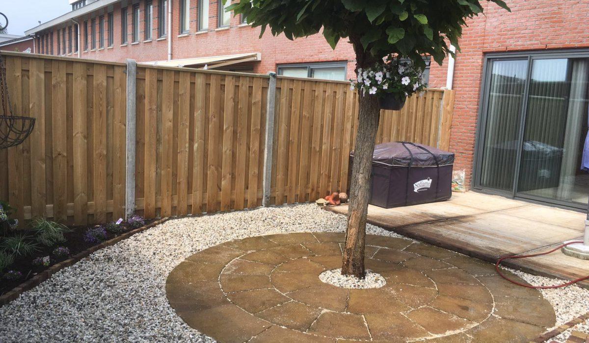 Aanleg achtertuin bestrating Putten